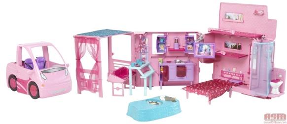 Barbie_Sisters_Deluxe_Camper_open