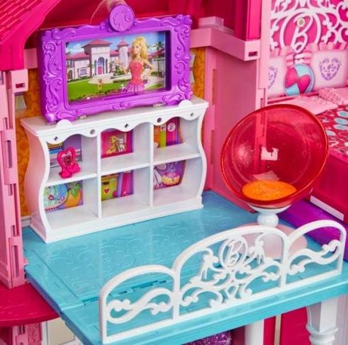 2014_Barbie_Dreamhouse_House_04